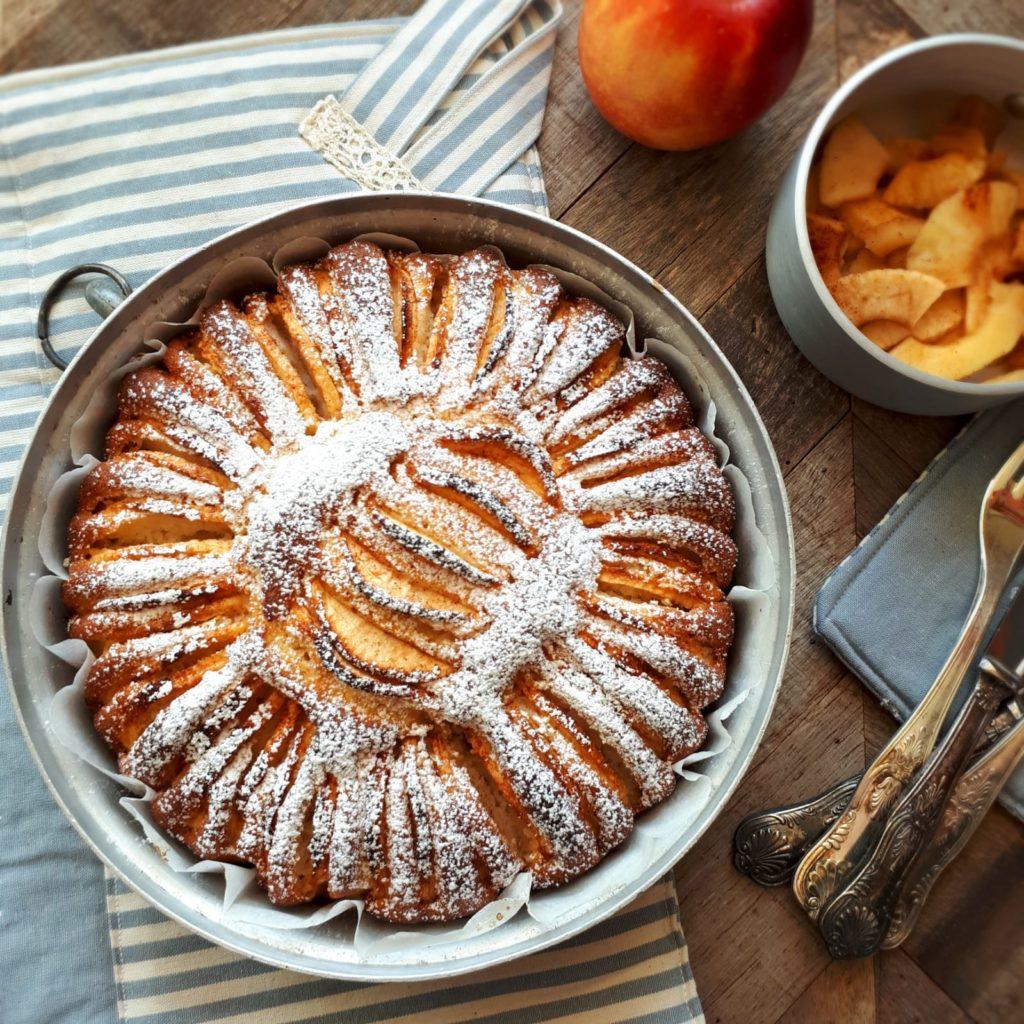 Torta di mele in stile vintage